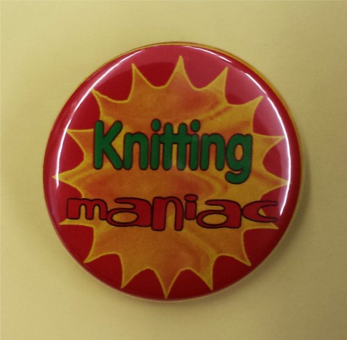 "Button ""Knitting maniac"""